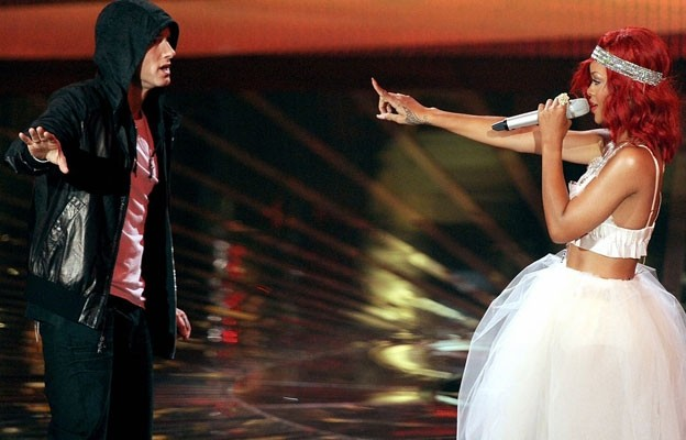 eminem-ft-rihanna-the-monster-sarkisi-yayinlandi-29102013002209