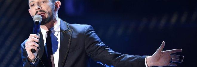 WCENTER 0XPCBFBCFP                 Italian singer Nesli performs on stage during the Sanremo Italian Song Festival, at the Ariston theater in Sanremo, Italy, 14 February 2015. The 65th Festival della Canzone Italiana runs from 10 to 14 February.ANSA/CLAUDIO ONORATI