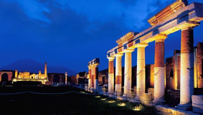 Pompei-di-notte_-660x375