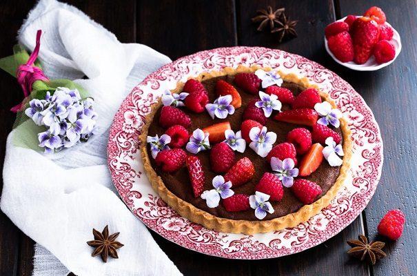 Crostata con lamponi e cioccolato
