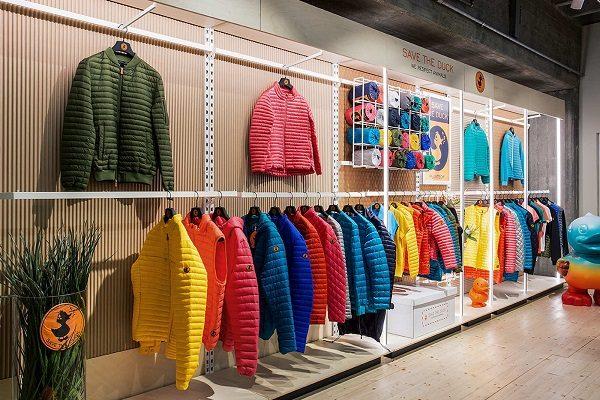 bef4bc09ad082 Save The Duck  aperto a Milano il primo store monomarca - iWebRadio ...