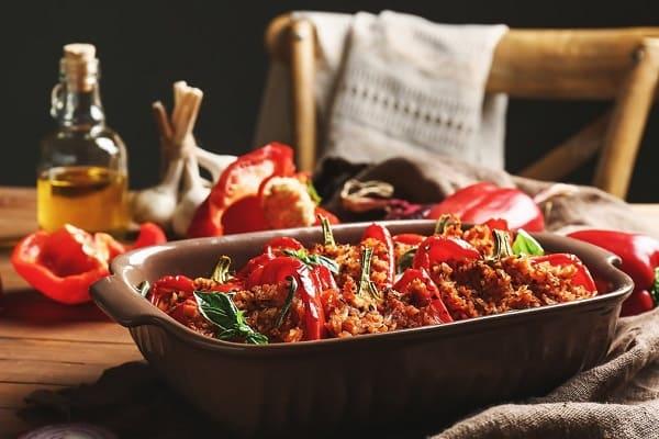 Peperoni ripieni di salsiccia